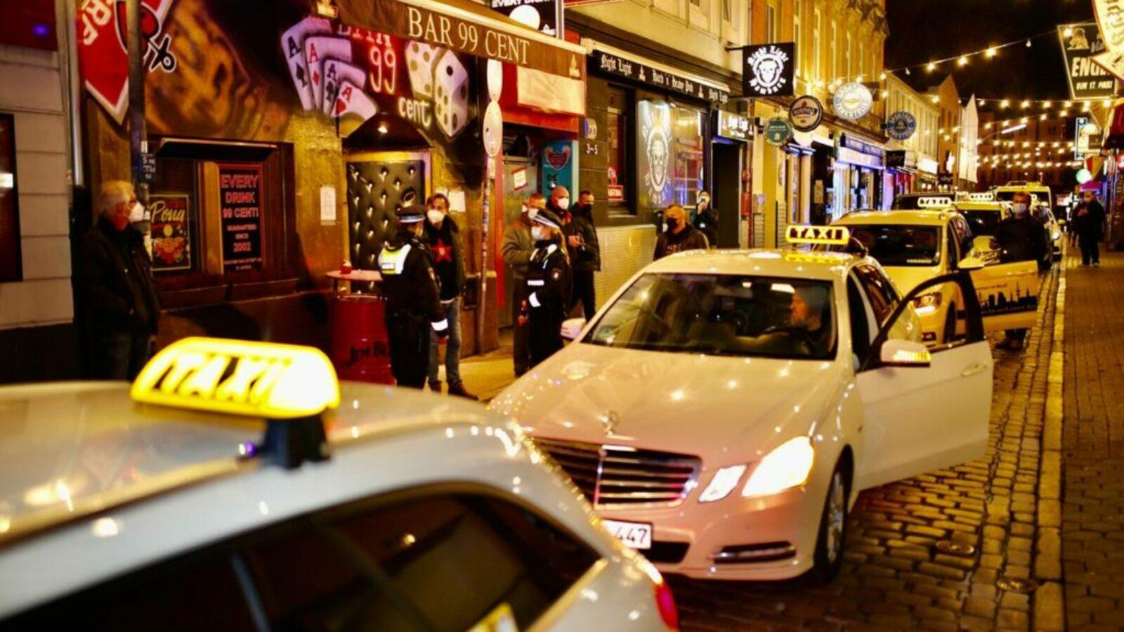 Taxifahrer für Kultur-Rettung